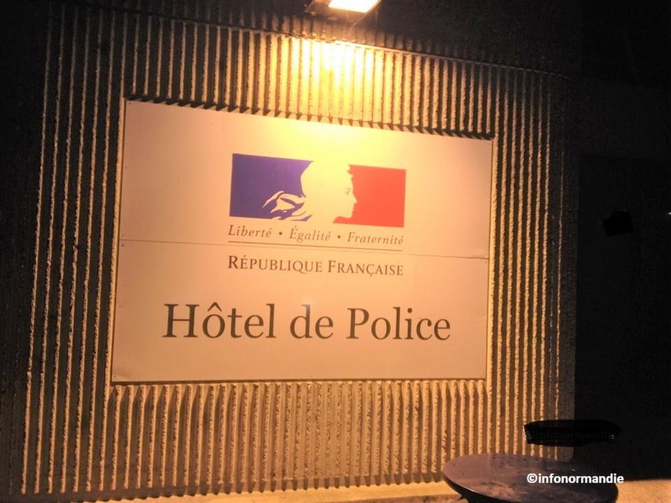 Le mis en cause a été conduit à l'hôtel de police où il a passé la nuit en garde à vue - illustration © infoNormandie