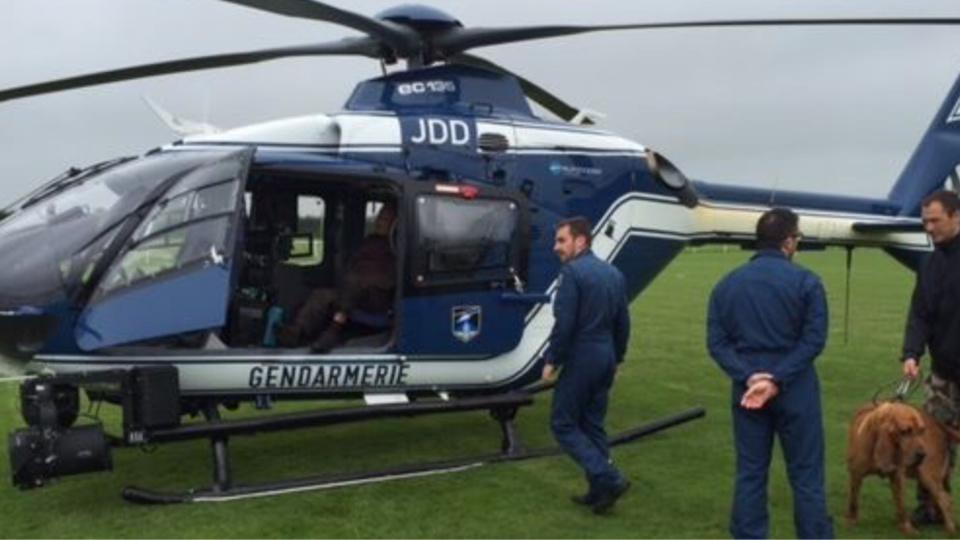 Un hélicoptère équipé d'une caméra thermique et un chien pisteur ont procédé aux recherches - Illustration © Gendarmerie Facebook