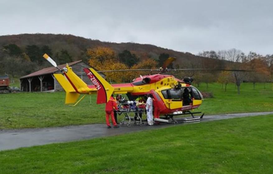 La victime a été évacuée à bord de l'hélicoptère de la sécurité civile  - Illustration © Dragon76/Facebook