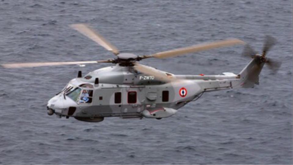 Le centre régional opérationnel de surveillance et de sauvetage (CROSS) Gris-Nez a engagé de gros moyens, dont cet hélicoptère de la Marine nationale - Illustration © Marine Nationale