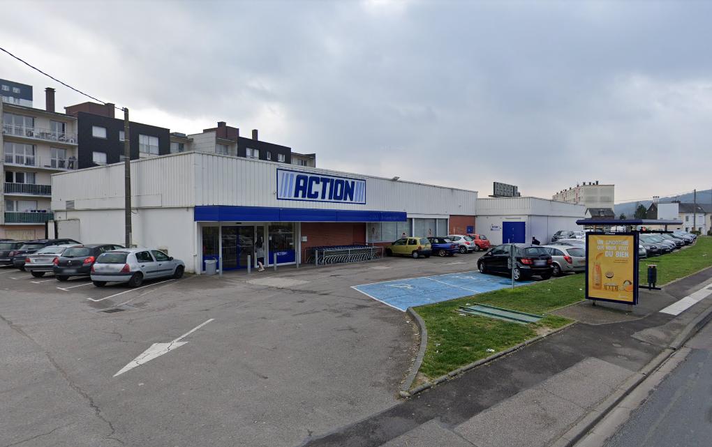 Le gérant venait de fermer son magasin quand il a été pris en otage en pleine rue par un commando - Illustration © Google Maps