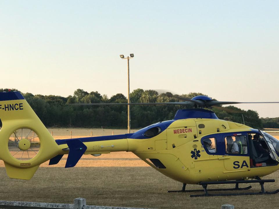 La victime, en urgence relative, a été transports le CHU à bord de l'hélicoptère Viking - Illustration @ infonormandie