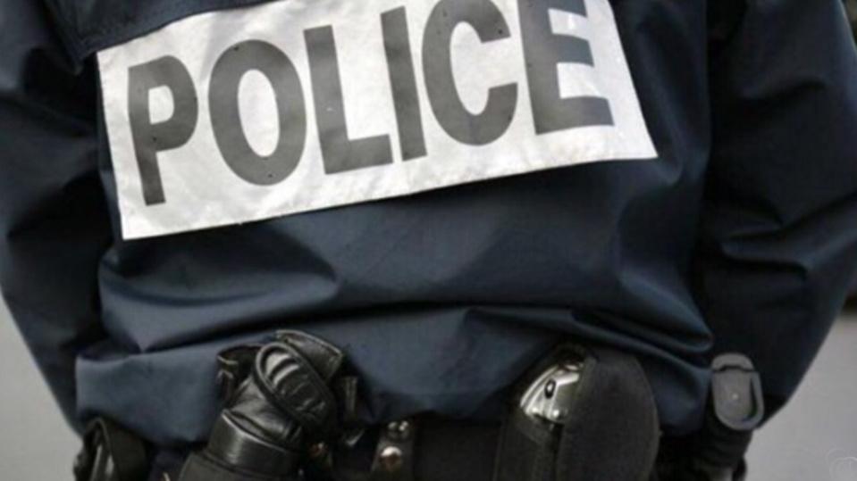 Les policiers ont dû employer la force pour disperser les émeutiers - illustration