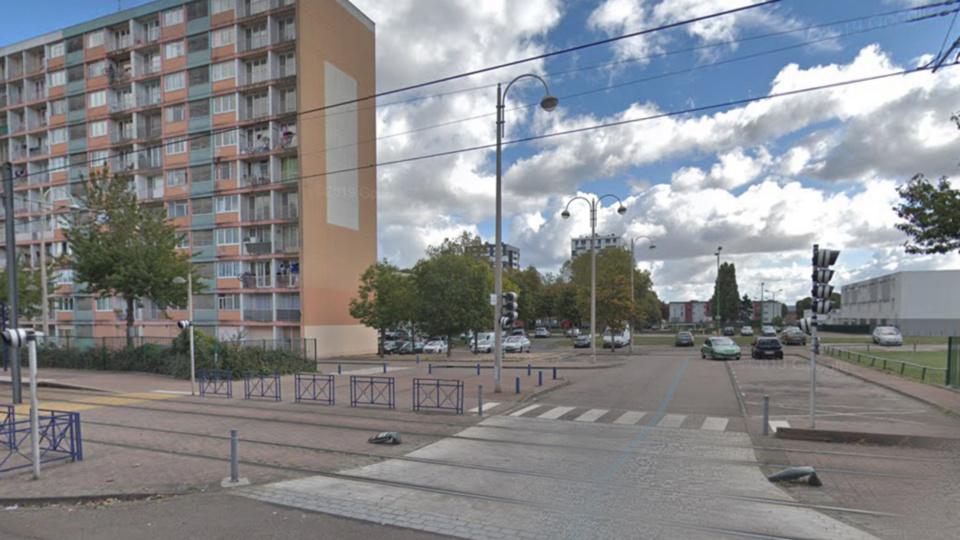 Scènes d'émeutes à Saint-Etienne-du-Rouvray : les policiers font usage de lacrymogène et de balles de défense