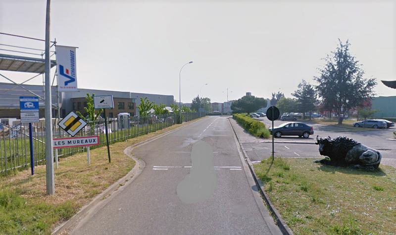 L'accident s'est produit rue Levassor, une voie qui dessert des entreprises de la zone industrielle des Garennes - illustration © Google Maps