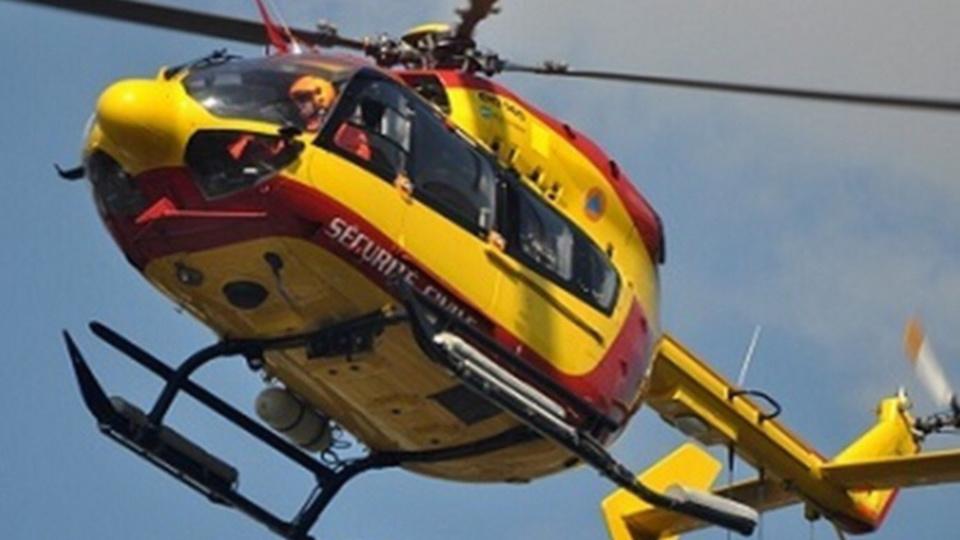 Une femme de 42 ans, blessée grièvement, a été évacuée vers le CHU de Rouen à bord de l'hélicoptère de la sécurité civile - Illustration