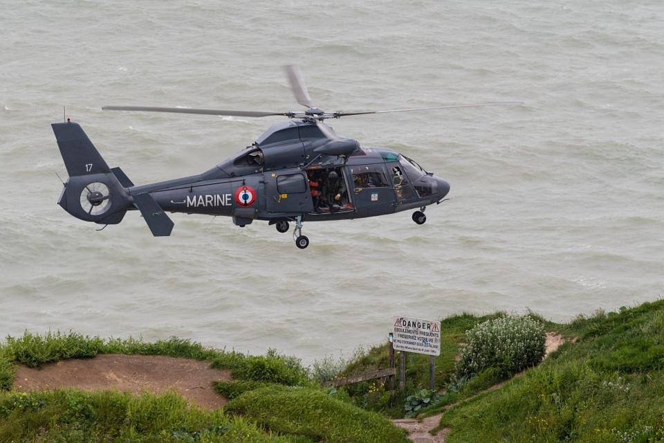 L'hélicoptère de la Marine nationale a participé aux recherches - Photo © Marine nationale/Prémar