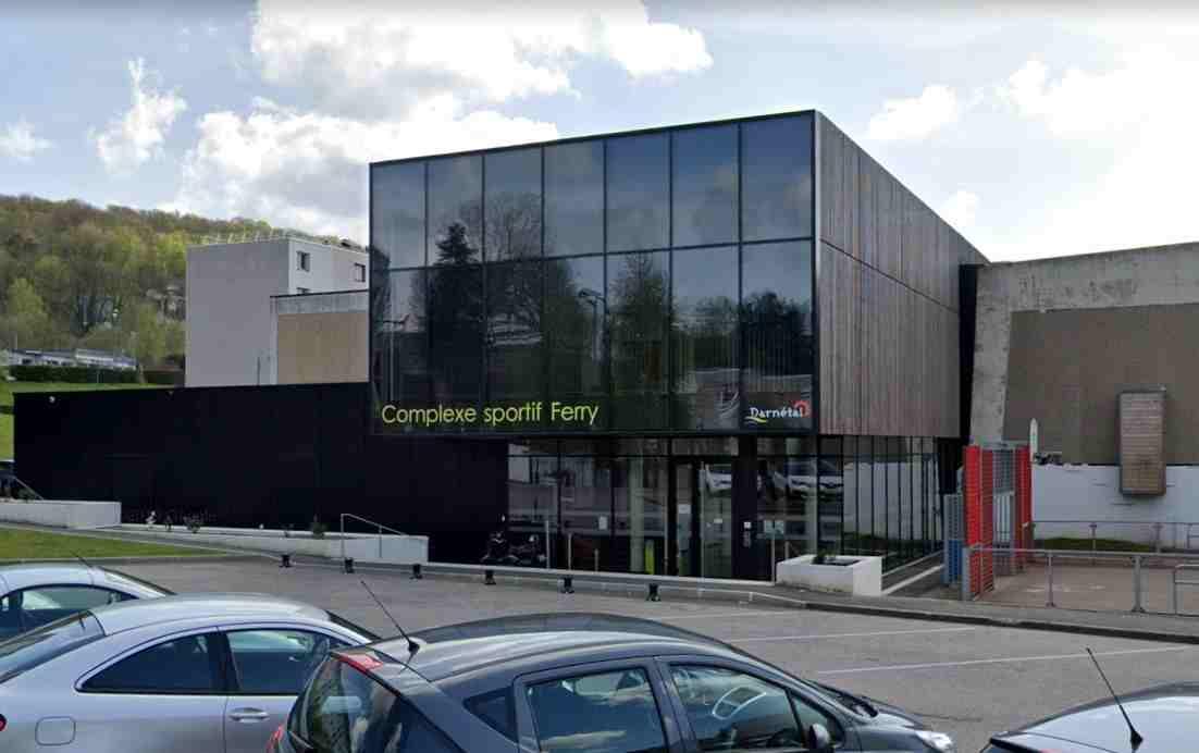 Fausse alerte à la prise d'otage à Darnétal, près de Rouen : un adolescent de 15 ans en garde à vue