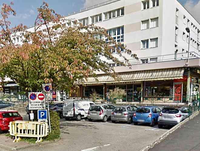Les malfaiteurs ont pénétré par une porte située à l'arrière du magasin - Illustration © Google Maps