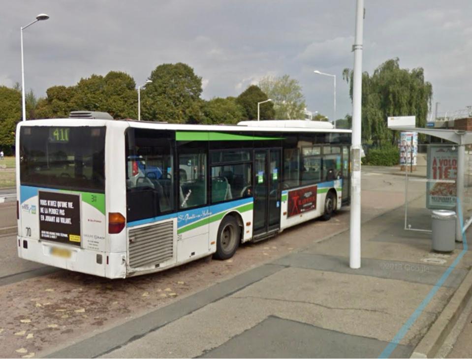 Le piéton a été heurté par le bus qui roulait à faible allure - Illustration