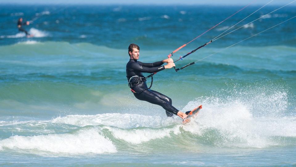 En raison des conditions météorologiques défavorables, le préfet maritime déconseille fortement toute pratique de loisirs nautiques et appelle tous les usagers de la mer à la plus grande prudence - Illustration © Pixabay