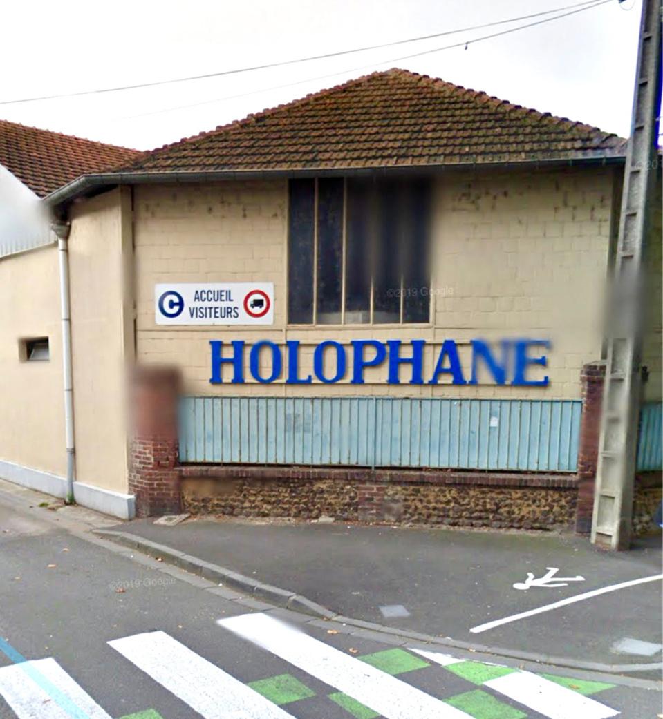 La société Holophane basée aux Andelys travaille pour l'automobile et emploie 300 salariés - illustration © Google Maps