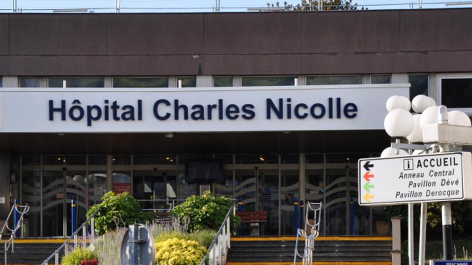 364 personnes atteintes du coronavirus sont hospitalisées dans des structures du CHU de Rouen, soit plus de la moitié des malades comptabilisés en Normandie - illustration @ infoNormandie