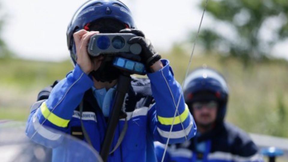 Les gendarmes de l'escadron départemental de sécurité routière (EDSR) de l'Eure sont très vigilants  et sanctionnent tous les excès de vitesse - Illustration