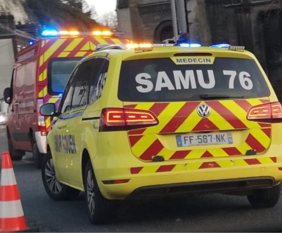 Le blessé a été transporté médicalisé par le SAMU au centre hospitalier universitaire de Rouen - Illustration @ infoNormandie