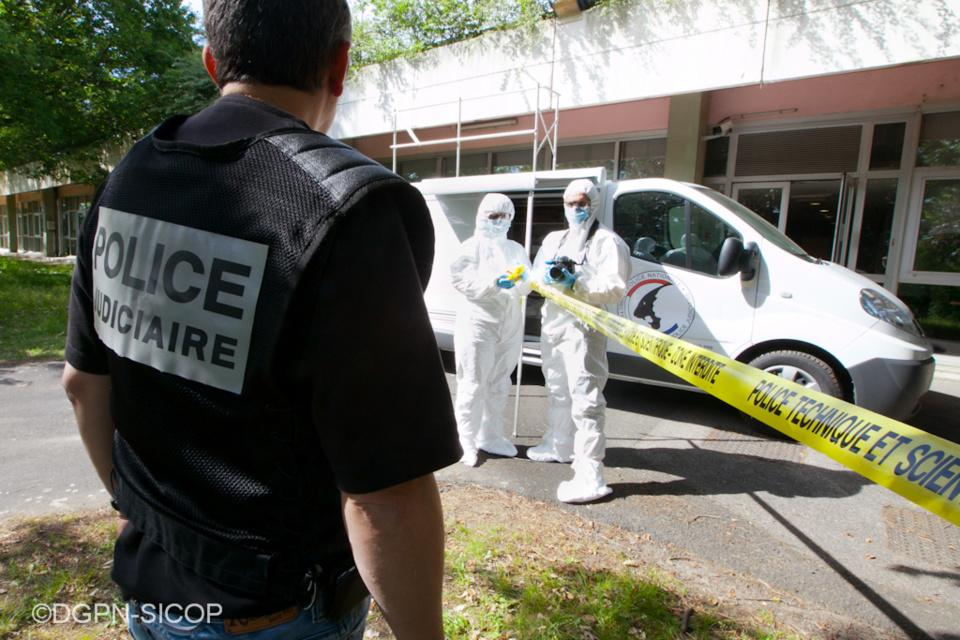 Le corps a été découvert sur le parking d'une école de Montivilliers, ce matin - Illustration ,