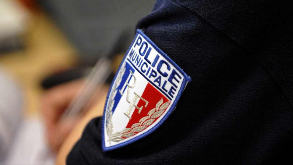 La police municipale se tient à la dispoisition des automobilistes pour plus de renseignements - Illustration