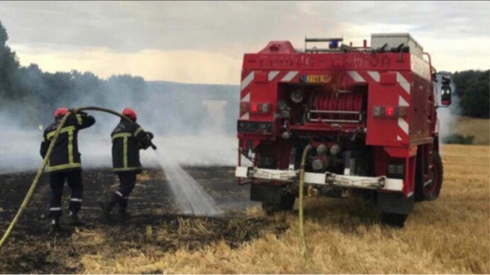 Hier, 14 hectares de chaume et 1 000 m2 d'herbes sèches sont partis en fumée dans le département - Illustration
