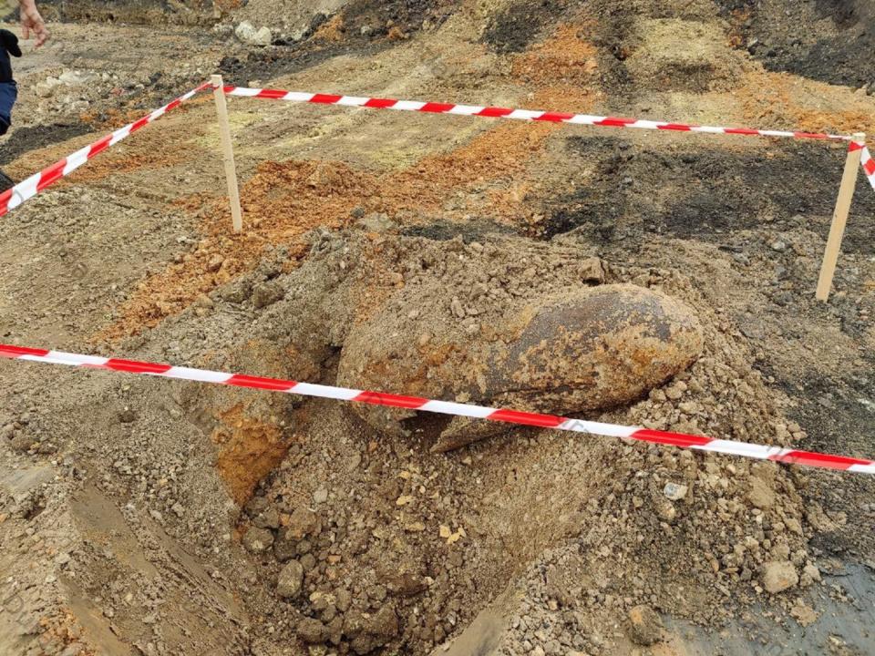 La bombe a été neutralisée par les démineurs de Versailles - photo @ SNCF/Twitter