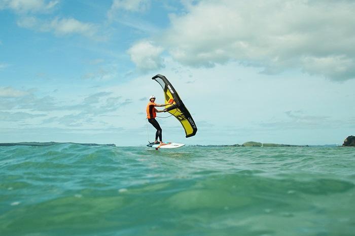 Le surfer se trouvait en difficulté à environ 500 mètres de la plage - Illustration © iStockphoto