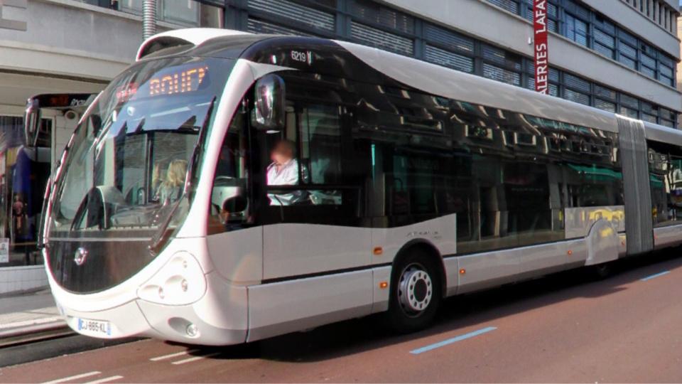 L'agression s'est produite dans un bus de la ligne F3 qui dessert Oissel - illustration