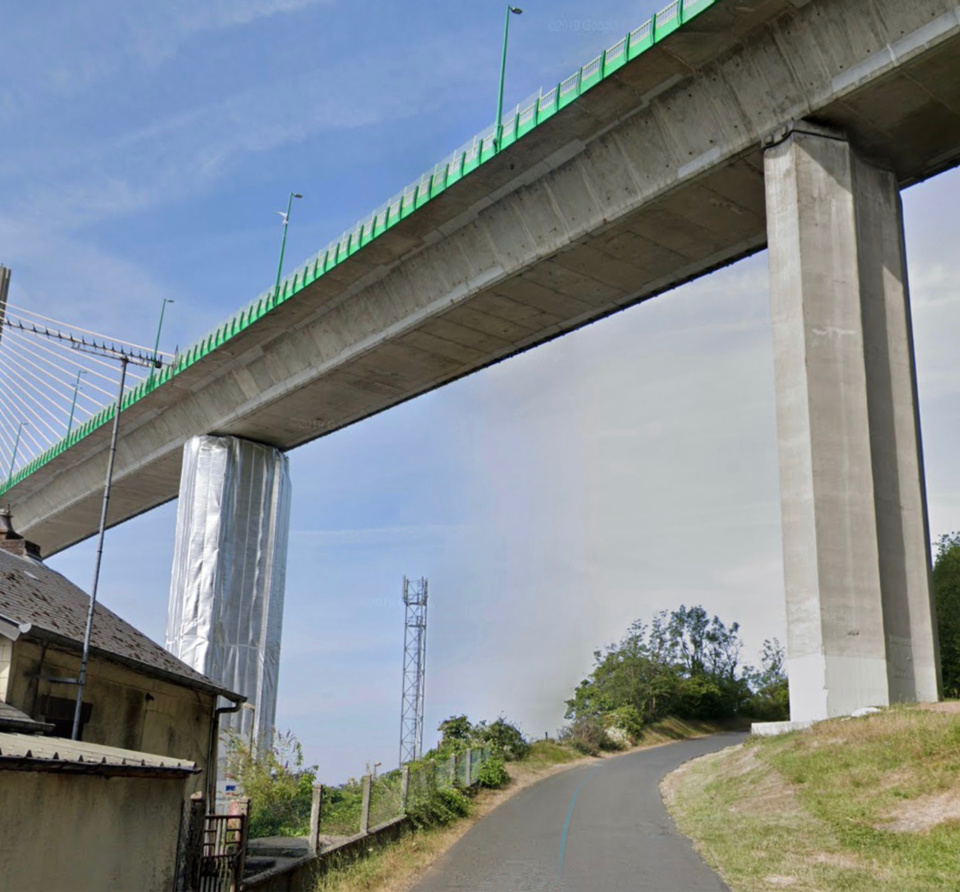 Le quadragénaire s'est jeté dans le vide du pont de Brotonne - illustration @ Google Maps