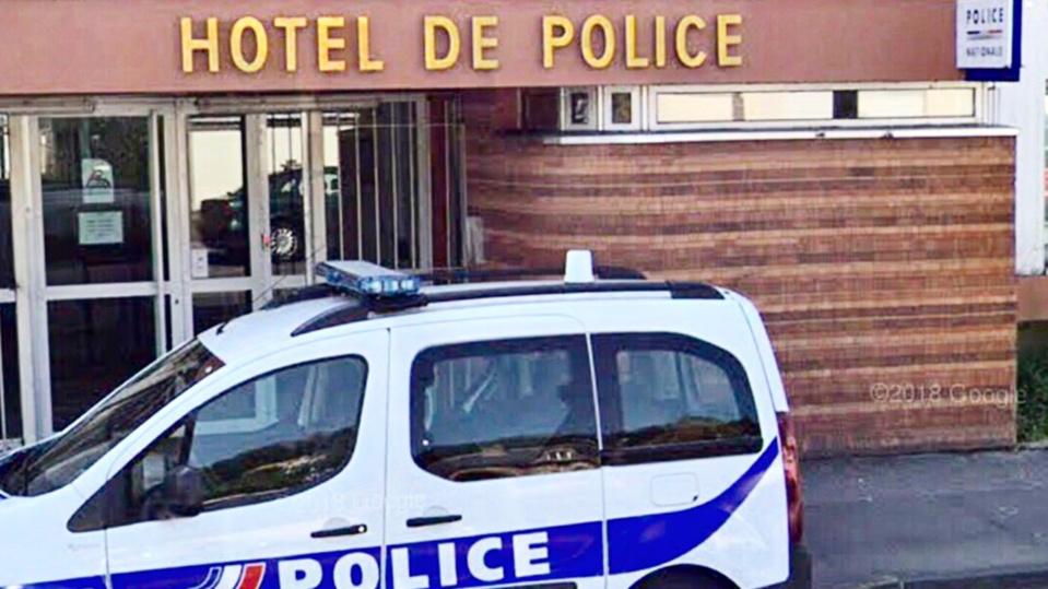 Les deux hommes ont été emmenés à l'hôtel de police - Illustration