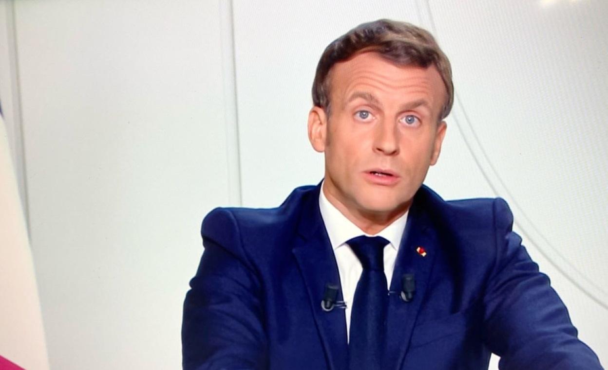 « Ma responsabilité est de protéger tous les Français. En dépit des polémiques, en dépit de la difficulté des décisions à prendre. Je l'assume pleinement »  (Déclaration d'Emmanuel Macron, mercredi 28 octobre)