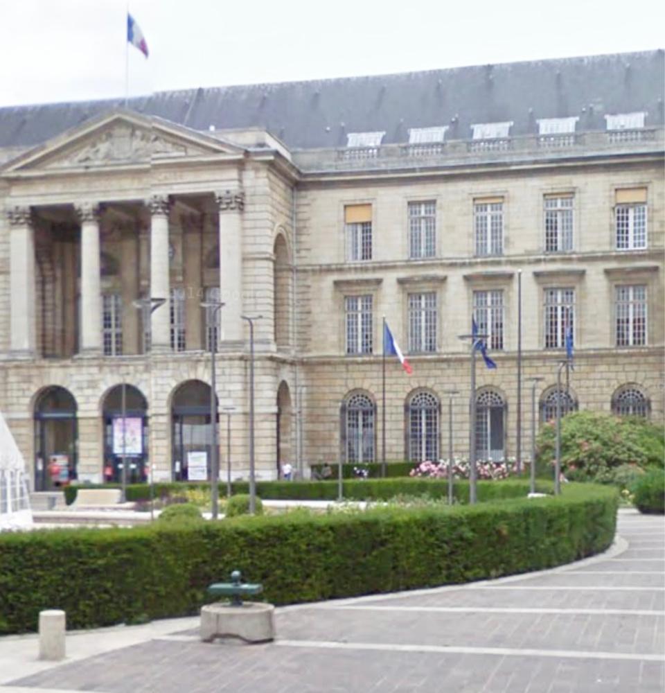 A Rouen, les manifestants se sont rassemblés devant l'hôtel de ville - Illustration