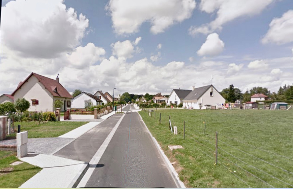 Le trou a été localisé à proximité de maisons, rue des Écoles - illustration @ Google maps