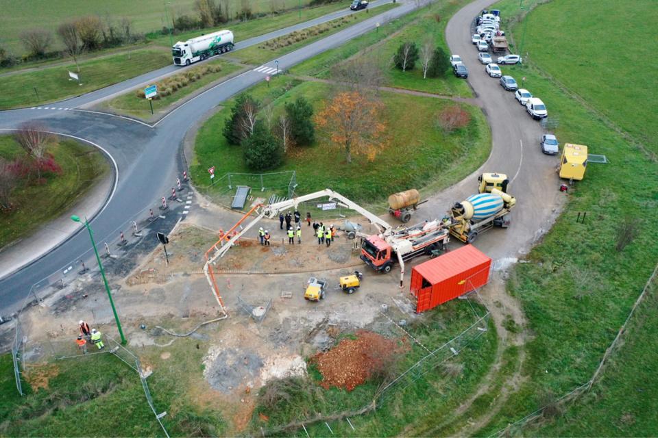 A cavité exceptionnelle, moyens exceptionnels : le chantier avance à grands pas et sera terminé fin décembre - Photo @ CD27