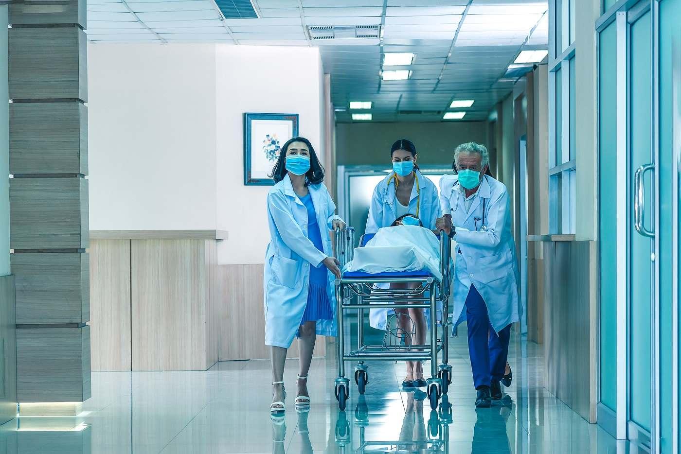 Le nombre des admissions à l'hôpital et en réanimation continue de baisser - Illustration © iStock