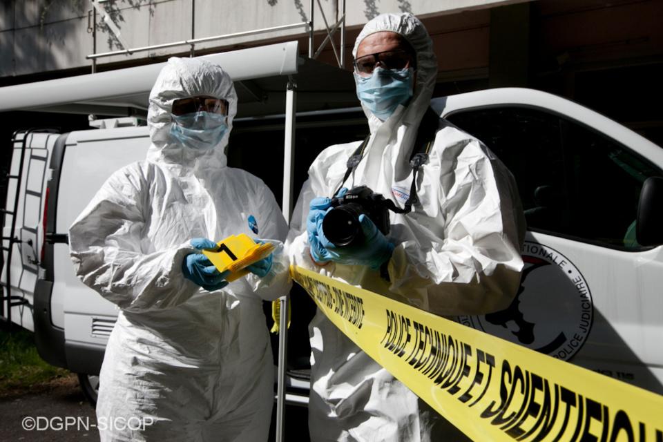 Des investigations de police technique et scientifique ont été réalisées sur la scène de crime - Illustration