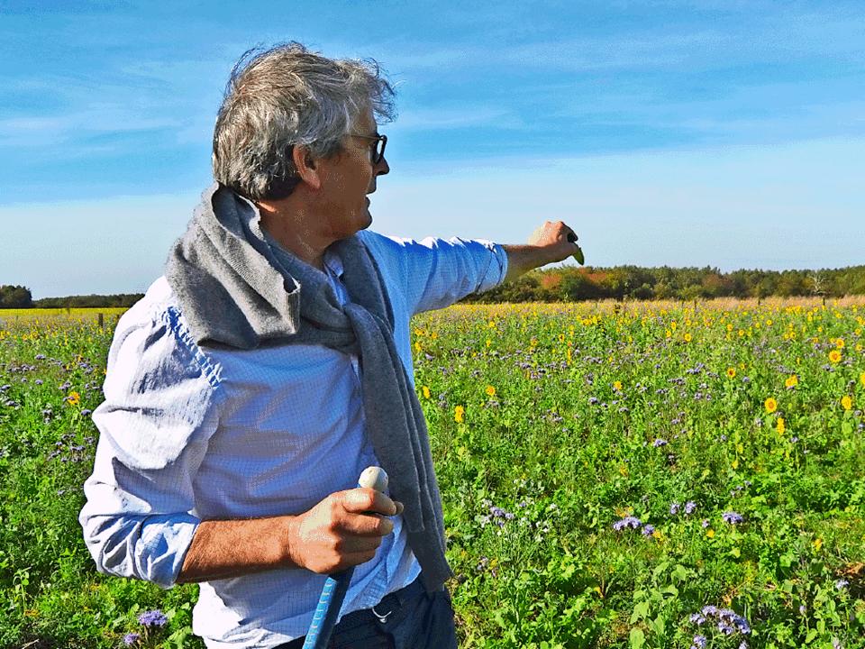 Michel et Chantal Galmel sont à la tête de la Ferme des Ruelles, une exploitation pionnière en matière de transition écologique - Photo © Ferme des Ruelles