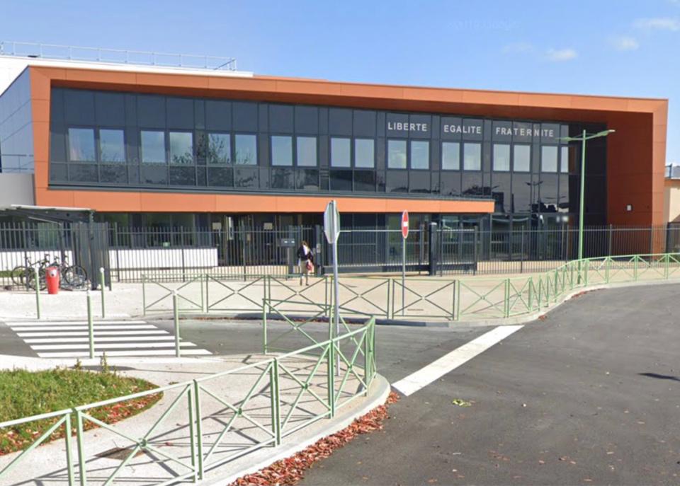 Le collège Geneviève-de-Gaulle-Anthonioz - illustration