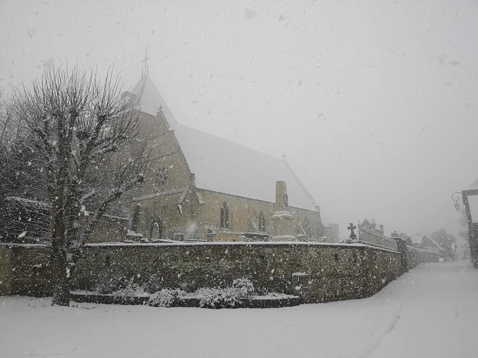 La Normandie se recouvre d'un manteau blanc : prudence sur la route