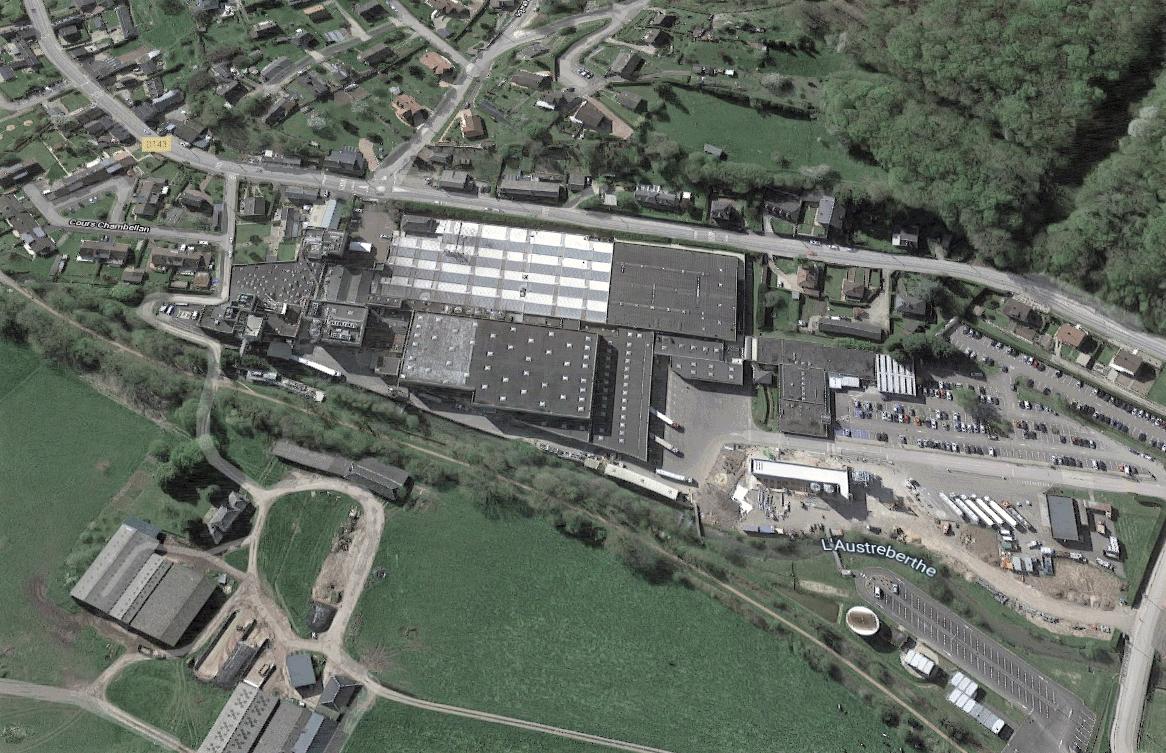 Le site Ferrero de Villers-Ecalles, consacré à la production de Nutella ® et de Kinder Bueno, exporte 33% de sa production vers L'Union Européenne. C'est aujourd'hui la première usine mondiale de production de Nutella ®.