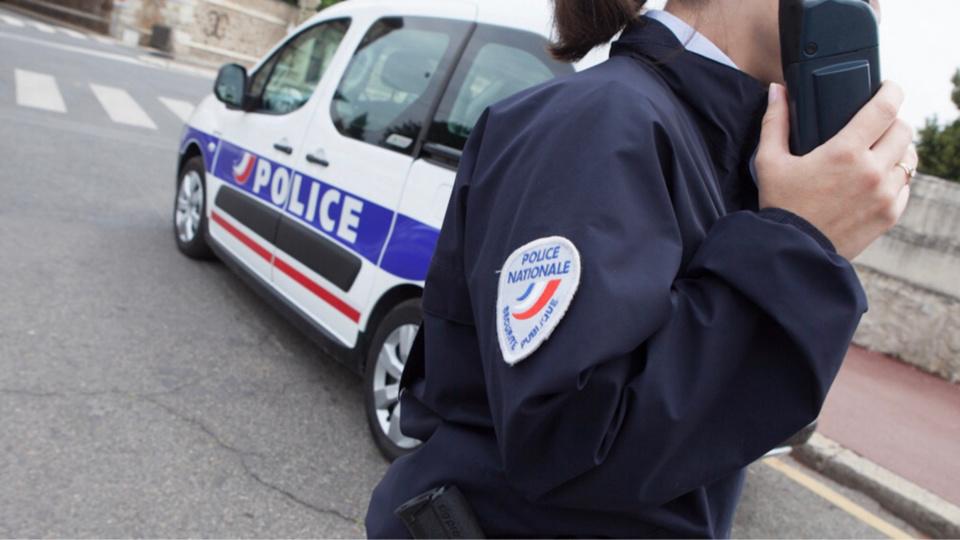 L'automobiliste n'a pas hésité a insulter la policière alors qu'il était verbalisé pour excès de vitesse - illustration