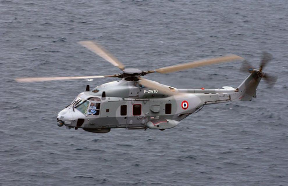 L'hélicoptère Caïman de la Marine nationale a participé aux recherches - Illustration @ Marine nationale/Premar