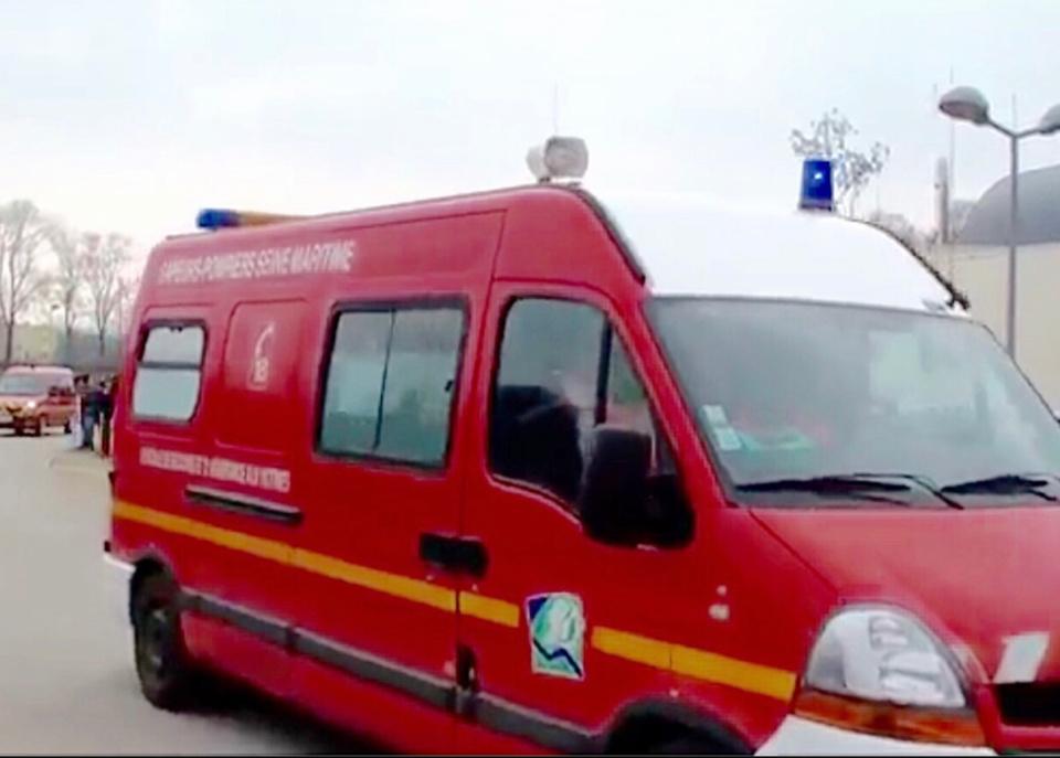 La conductrice blessée a été transportée par les secours au CHU de Rouen - illustration