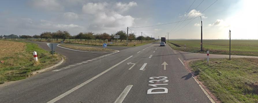 L'accident s'est produit à une intersection sur cet axe qui relie Le Neubourg et Louviers - Illustration © Google Maps