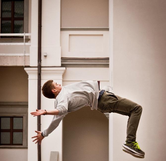 Le Yamakasi une discipline sportive qui consiste à franchir successivement divers obstacles urbains et naturels, y compris à se déplacer sur les toits, sans l'aide de matériel - Illustration © Pixabay