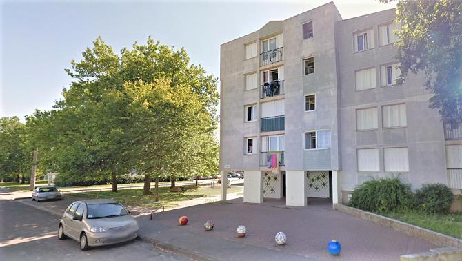 Les locaux poubelles de trois immeubles situés les uns à côté des autres se sont enflammés à la même heure cette nuit - Illustration © Google Maps