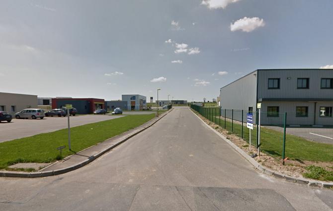 C'est dans cette allée Charles Nicolle, située dans une petite zone artisanale, que les secours ont pris en charge l'homme  blessé par arme à feu - Illustration © Google Maps