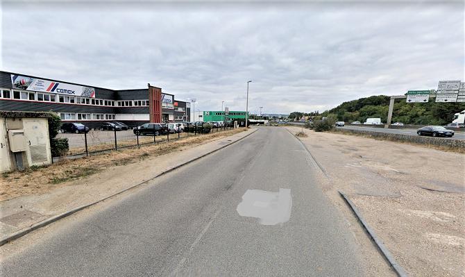 Le corps sans vie du chauffeur routier a été découvert sur ce parking, en bordure de l'avenue  du Général-Leclerc - Illustration © Google Maps