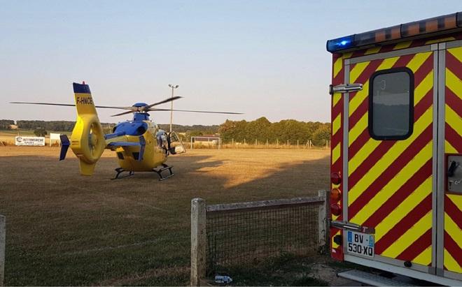 La victime a été évacuée, médicalisée par le SMUR, par l'hélicoptère Viking du SAMU76 - Illustration © infoNormandie