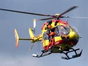 Dragon76, l'hélico de la Sécurité civile basé au Havre, est de toutes les missions de secours, aussi bien sur terre (routes) qu'en mer