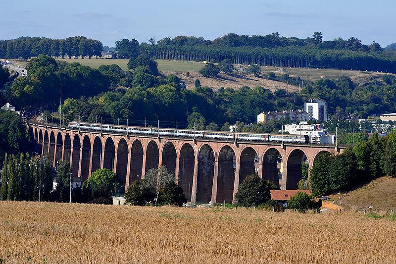Le TGV s'est immobilisé sur le viaduc de Barentin, plusieurs dizaines de mètres après le drame qui s'est produit dans l'enceinte de la gare  (Photo d'illustration)