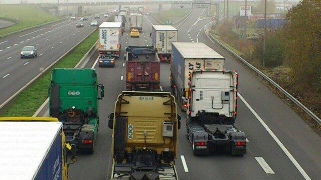 Les principaux axes autoroutiers risquent d'être fortement perturbés en direction de Paris (Photo d'illustration France3 Nord pas de Calais)