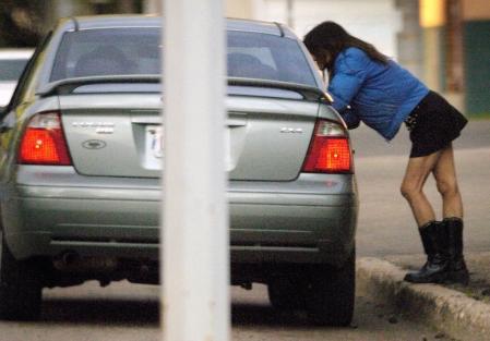 La prostitution n'est pas interdite, seul le racolage sur la voie publique est sanctionné par la loi en France (Photo d'illustration)